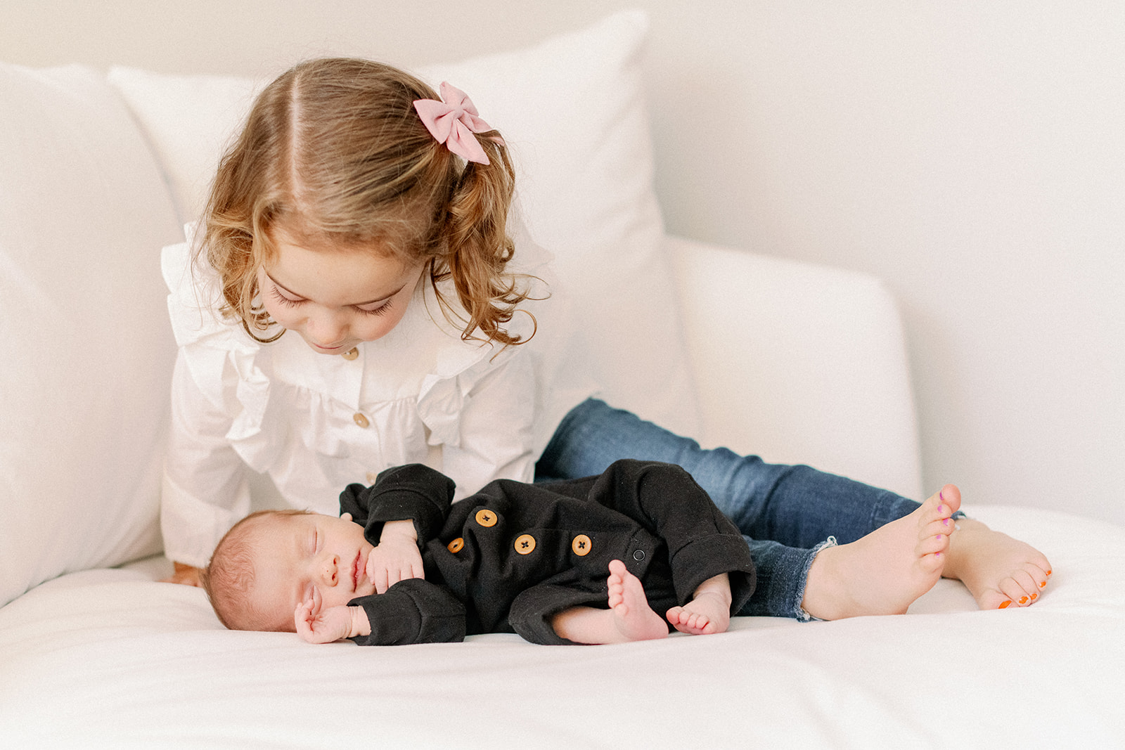 What to wear for in home studio lifestyle newborn photos - chicago naples florida newborn family photographer