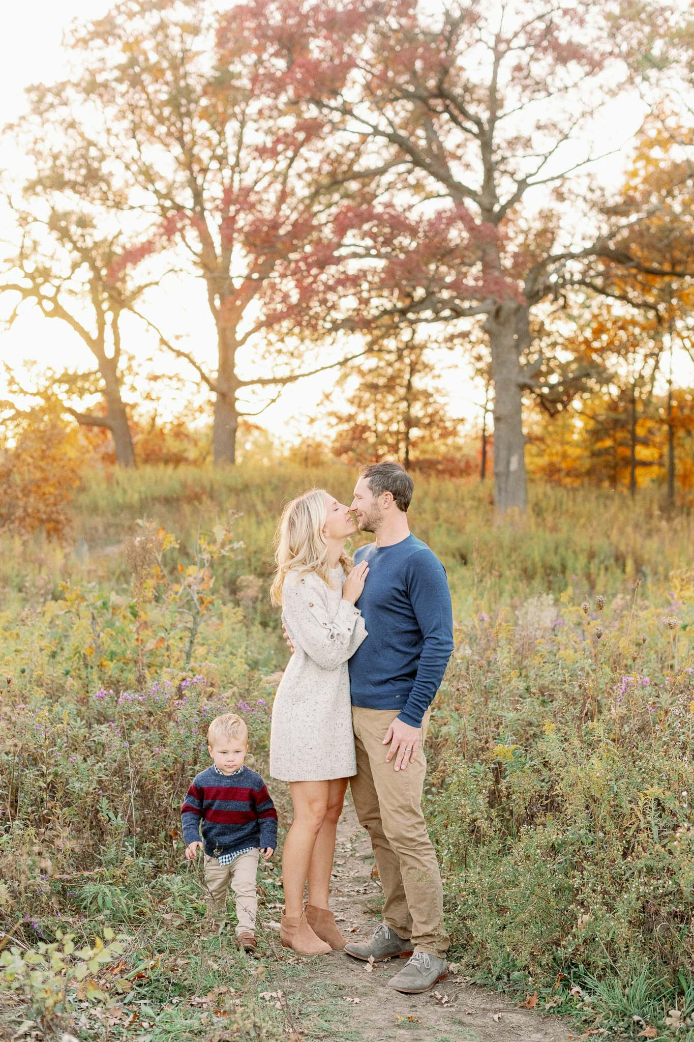 Hinsdale Lifestyle Family Photographer – Fine Art Chicago Family Photographer – Mayslake Forest Preserve-53